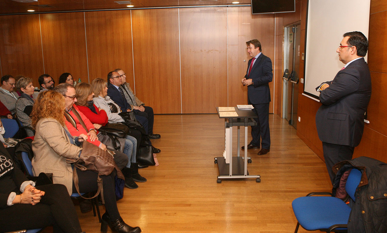 El Alcalde entrega las ayudas de la Línea de Apoyo Empresarial, dotadas con 50.000 euros, a 34 empresarios tricantinos