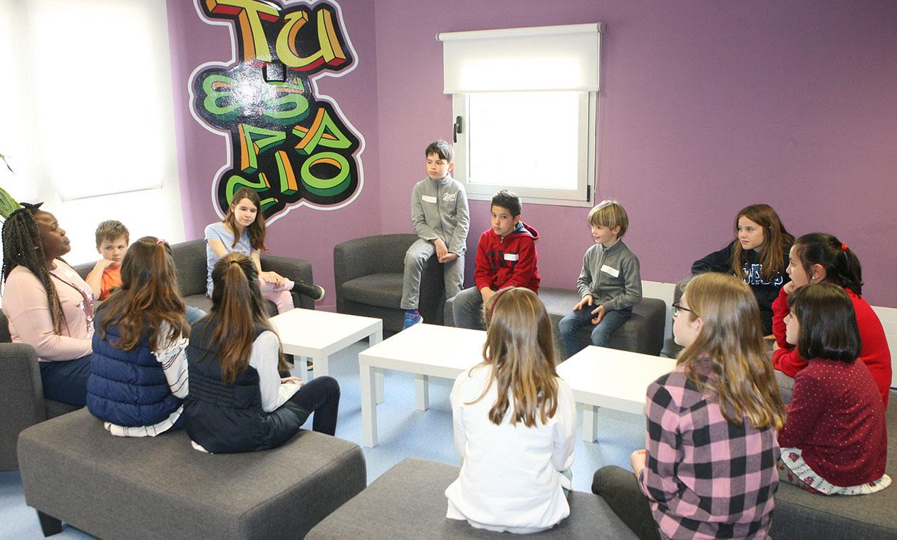 """La Casa de la Juventud propone practicar inglés de una forma amena y divertida en """"El café de las lenguas"""" y los """"Fun Games"""""""