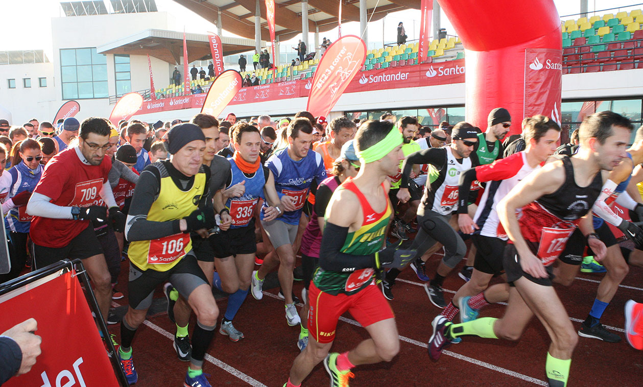 Más de un millar de corredores desafiaron a las bajas temperaturas en la clásica Vuelta Pedestre a Tres Cantos