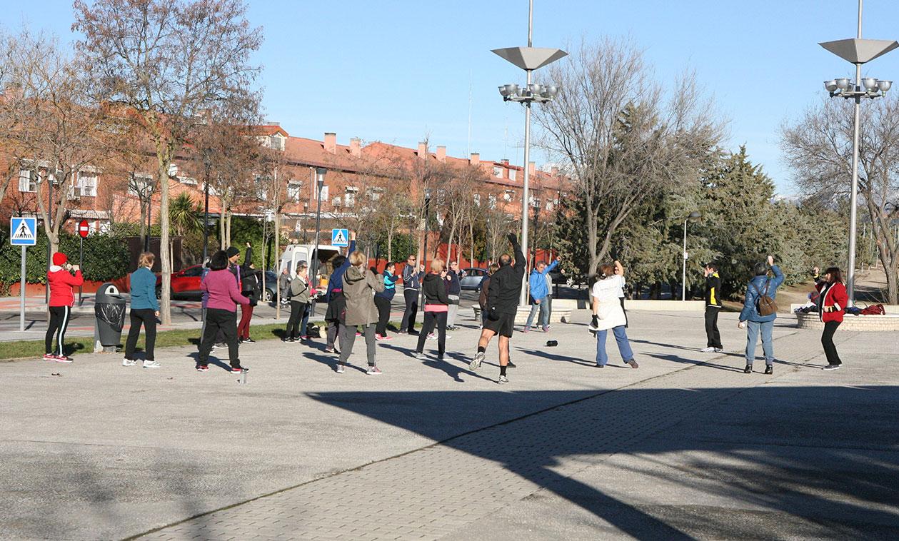 El programa gratuito Punto Activo promueve la práctica del ejercicio físico saludable al aire libre, entre los vecinos de Tres Cantos