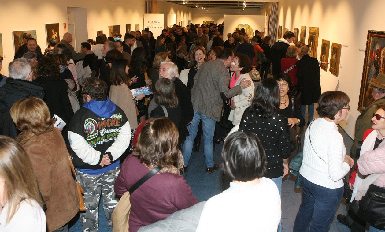 Cientos de tricantinos asisten a la inauguración de la nueva exposición de la Sala Baluarte 'Copistas del Prado'