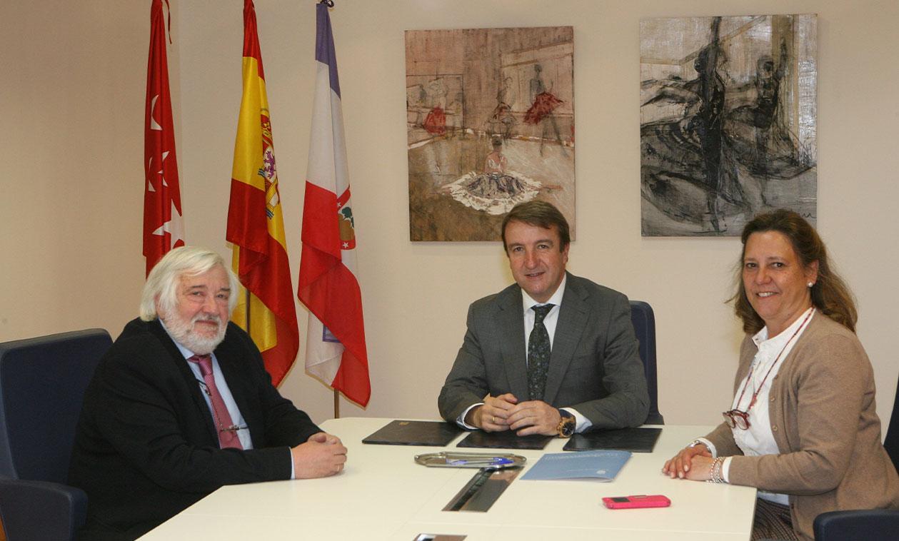 El Ayuntamiento y AMI-3 firman un convenio de colaboración
