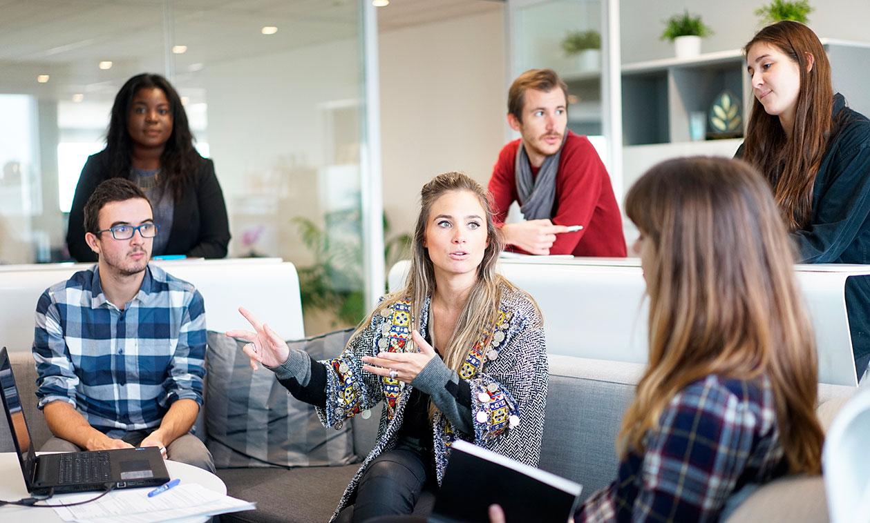 El Punto de Información de Voluntariado forman a un grupo de 17 personas en habilidades sociales para mejorar las relaciones