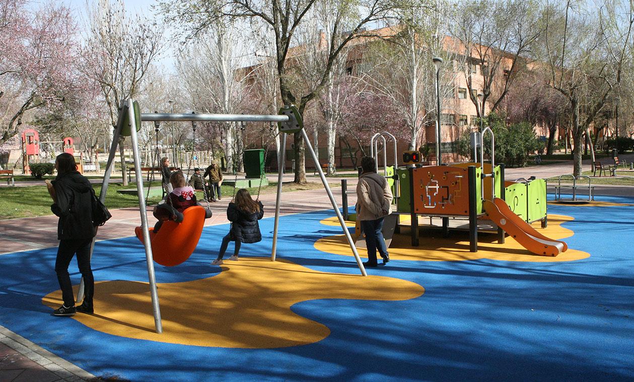 El Ayuntamiento invierte 46.000 euros en el segundo parque infantil inclusivo de la ciudad