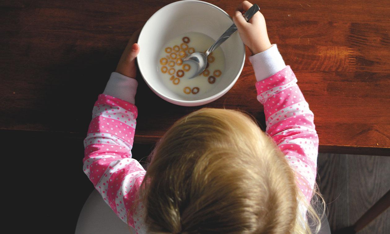 Los Servicios Sociales garantizan la alimentación de los menores durante el verano