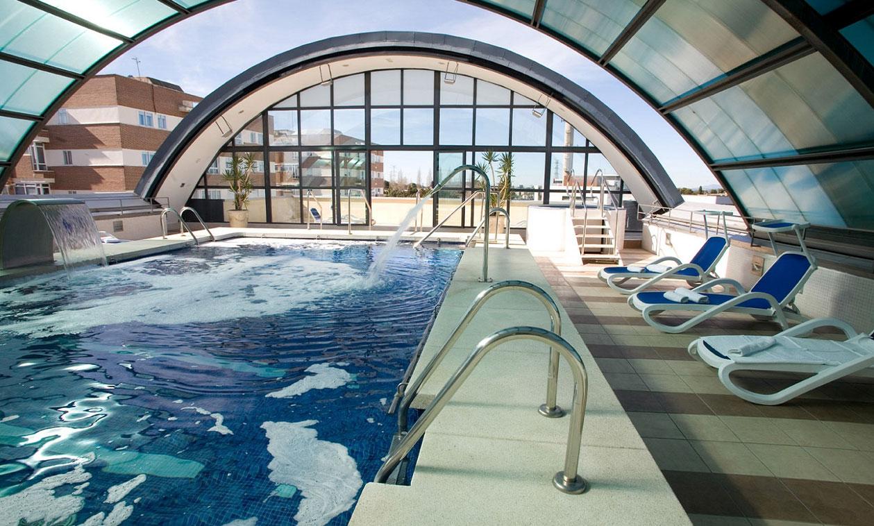 La residencia DomusVi Tres Cantos abre su piscina para el disfrute de todas las personas mayores de 65 años