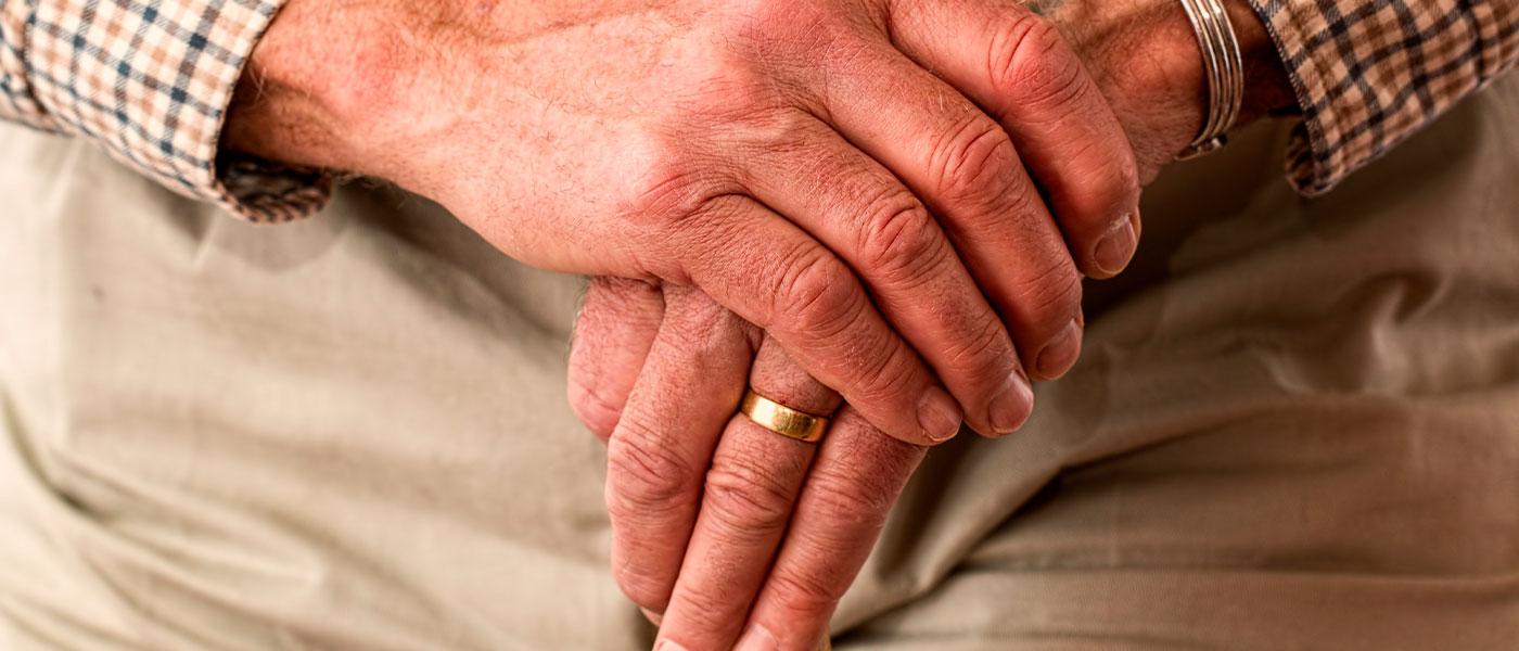 COCOON  |  Cuidar a los que nos cuidaron una vez, pero… 'cada uno en su casa y dios en la de todos»