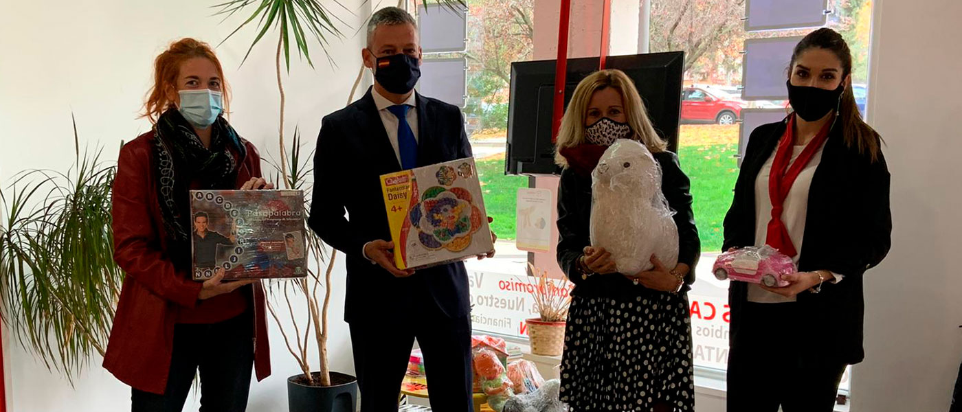 El Ayuntamiento colabora con Redpiso en su campaña de recogida de juguetes 'Ningún niño sin sonrisa'