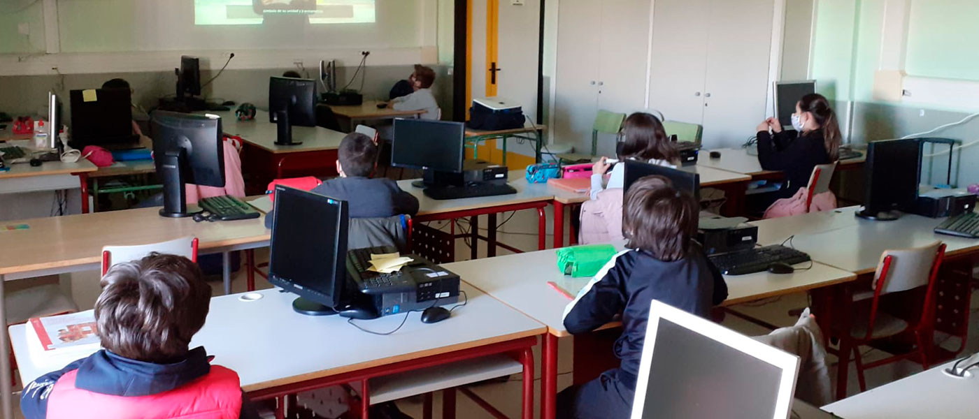 Los alumnos de Tres Cantos inauguran los actos conmemorativos del Día de la Constitución española