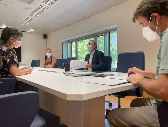 Convenio con la UNED para facilitar las prácticas académicas a los  tricantinos