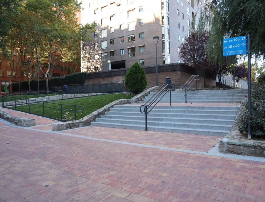 El Ayuntamiento subvenciona con 50.000 euros la eliminación de barreras arquitectónicas