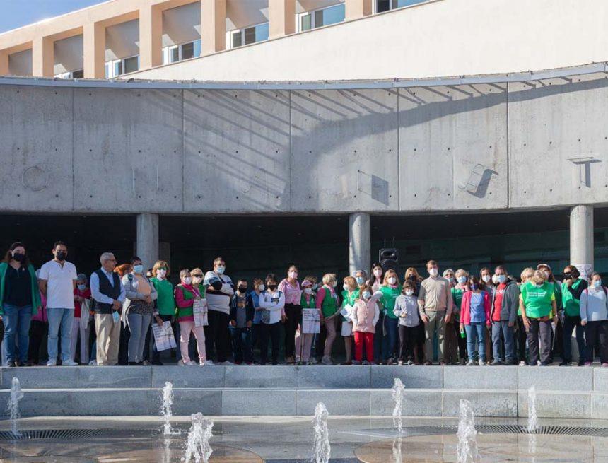 Tres Cantos se solidariza con la AECC en el Día Mundial Contra el Cáncer de Mama